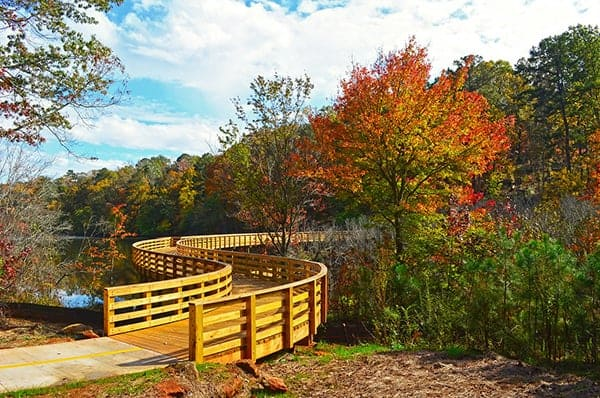 best-time-to-see-fall-colors-near-Atlanta