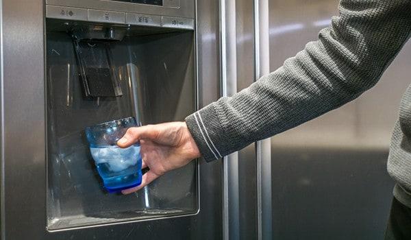 refrigerator-water-tastes-bad